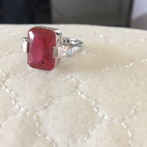 Jewelry - Ring with ruby colored stone